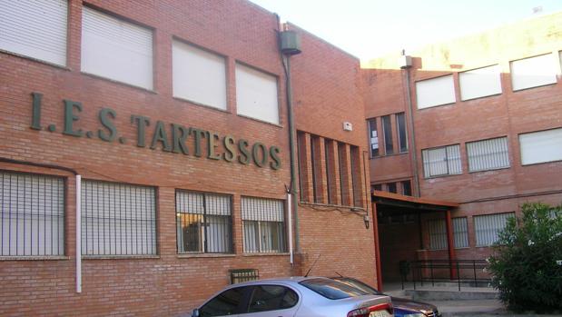 Los padres de los alumnos del instituto Tartessos de Camas han convocado una huelga para el jueves 11 de abril
