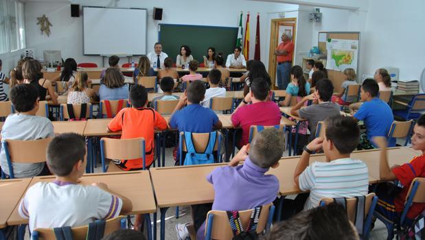 Los alumnos andaluces cuentan ahora con mayor número de plazas en colegios bilingües.