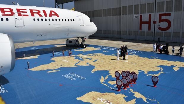 Iberia bautiza a su nuevo A350 como Elcano