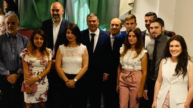 Los nuevos concejales de San Martín del Tesorillo, tras prometer o jurar cargo.
