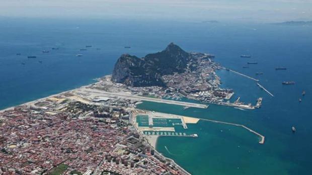 Vista aérea de La Línea y Gibraltar.