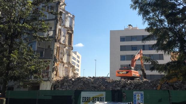 Demolición de las viviendas en Cádiz