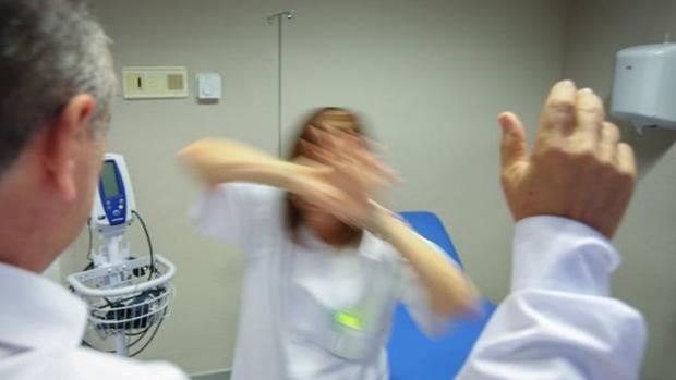 El Colegio de Médicos de Cádiz muestra su preocupación por el aumento en la agresividad de las agresiones.