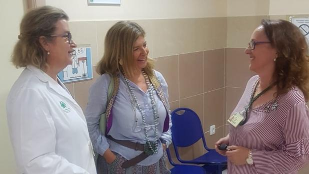 La delegada de Salud y Familias visitó este lunes el ambulatorio Puertatierra.