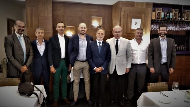 Reunión de empresarios y directivos gaditanos con Salvador de la Encina