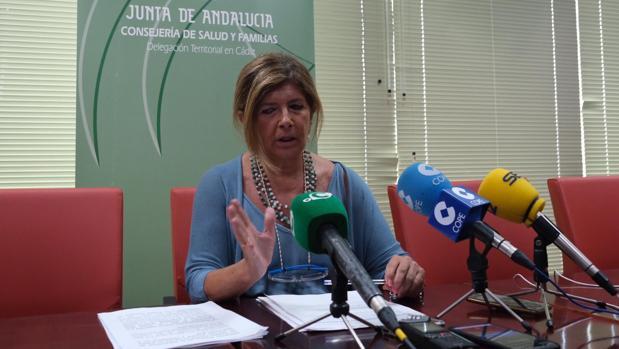 Isabel Paredes durante la comparecencia de prensa ante los medios de comunicación