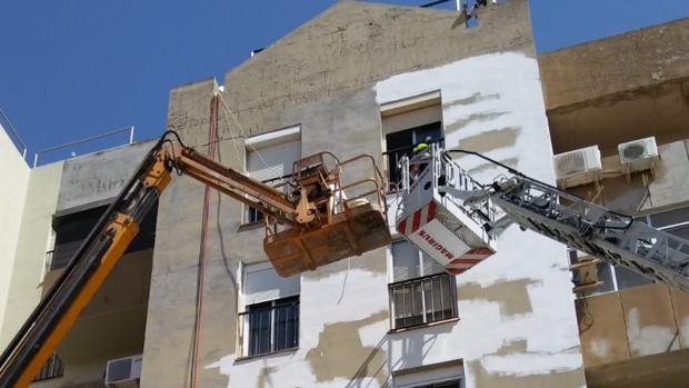Rescate de dos trabajadores en Jerez