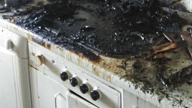 Cocina calcinada tras el incendio