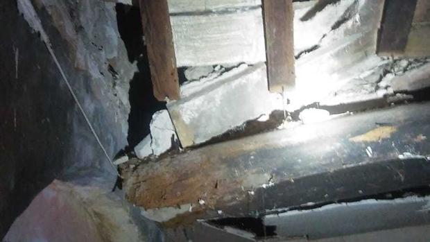 Derrumbe del techo.
