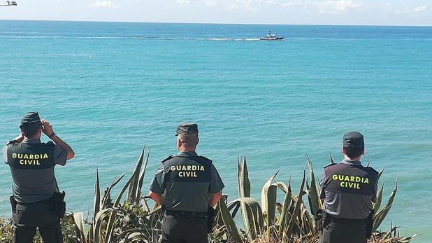 Varios de los guardias civiles que participan en el dispositivo de búsqueda