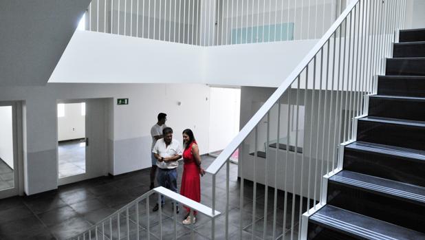 El edificio ha sido completamente reformado ya que ateriormente acogió la sede judicial de San Fernando.