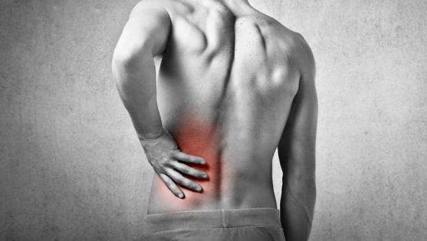 El lumbago se define como un «dolor que se localiza en la zona baja de la espalda, entre el límite inferior de las costillas y la zona glútea»