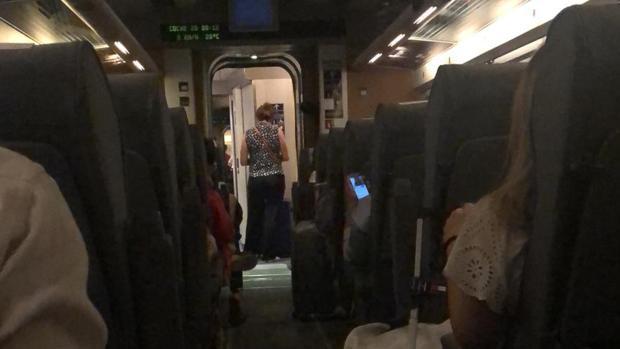 Los viajeros del AVE Sevilla-Madrid han llegado a la capital con más de dos horas de retraso