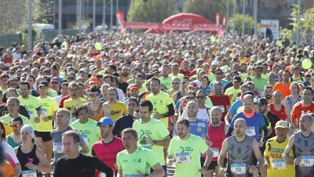 Corredores en el medio maratón de Gijón, disputado el pasado sábado 30 de mayo y que resultó trágico