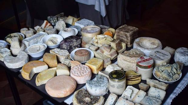 Uno de los carros de quesos mejor surtido de España está en el Castell Peralada